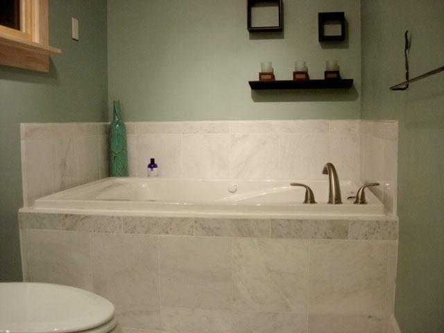 Сделать ремонт в ванной недорого своими руками