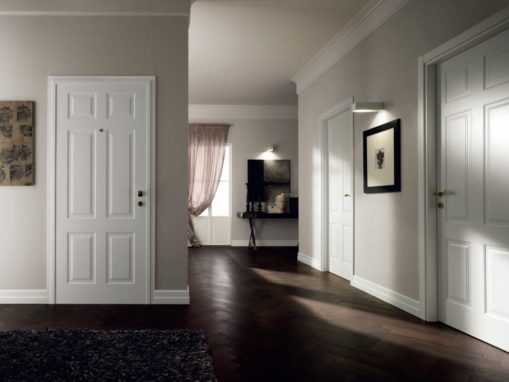 Белый плинтус цвет двери