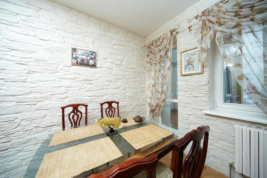 Фото кухни в интерьере декоративный камень