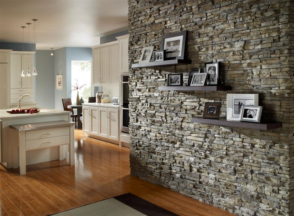 Внутренняя отделка стен камнем фото