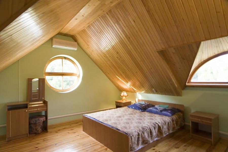 Как отделать мансарду внутри деревянного дома своими руками .