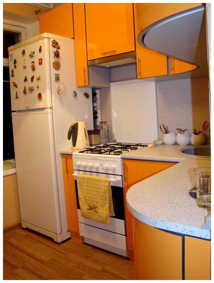 Угловая кухня 6 кв м дизайн с холодильником