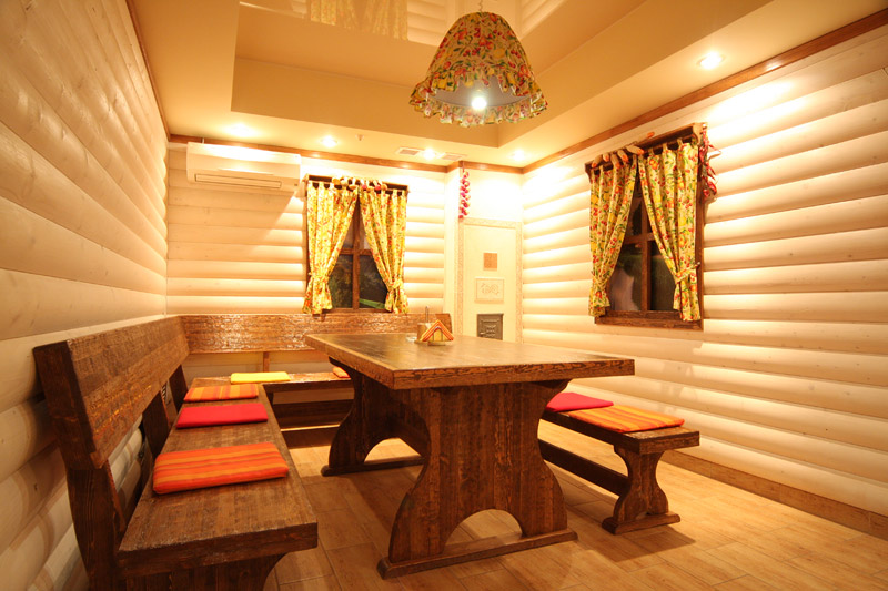 Дизайн бани с комнатой отдыха внутри с террасой барбекю фото