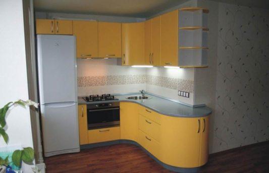 кухни угловые фото на 9 кв метров с холодильником