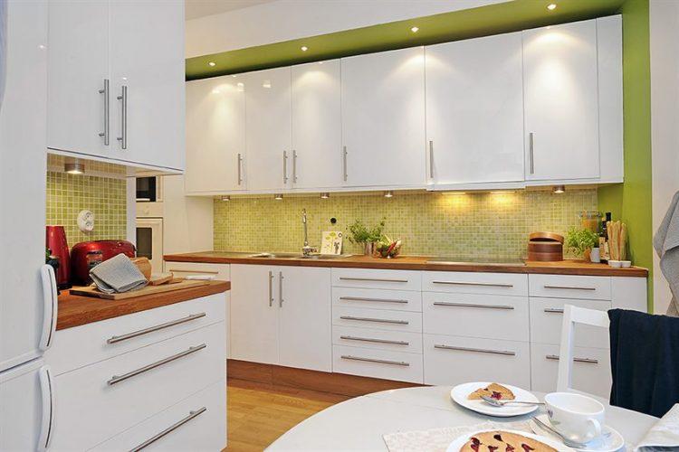 подобрать фартук для белой кухни