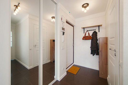 дизайн маленькой прихожей в квартире фото реальные