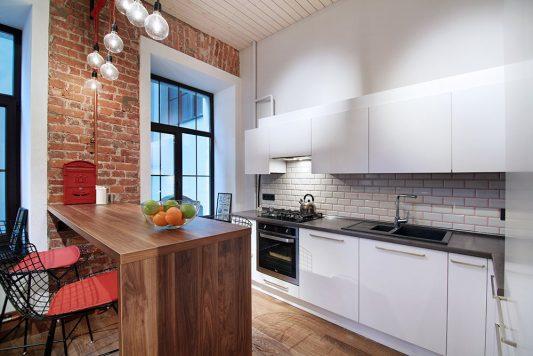 Светлая кухня в стиле лофт в квартире