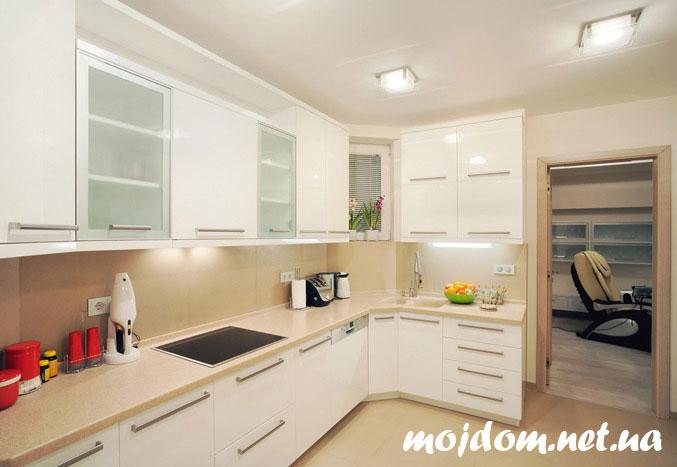 Дизайн кухни со светлой мебелью фото