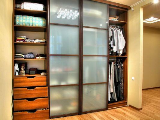 Встроенный шкаф купе в прихожую: фото, дизайн, идеи